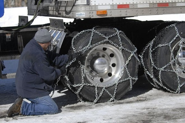 Russian Drivers Will be Obliged to Have Anti-Skid Chains During Winter