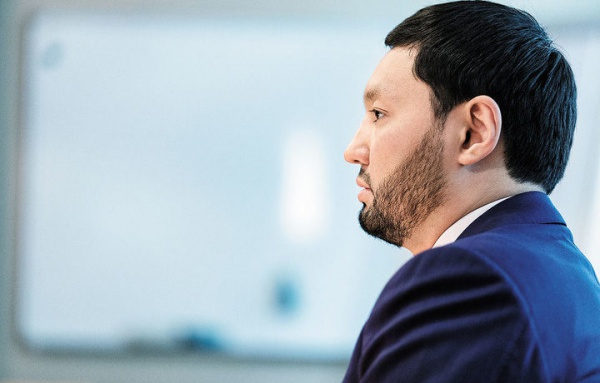 Kenes Rakishev stands his ground, adds 300 million to the assets